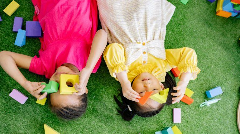 Les jouets en bois VS jouets en plastique